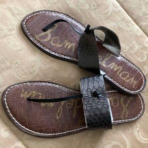 Sam Edelman T-strap flat sandal Size 8
